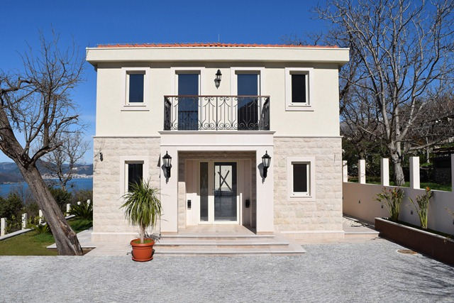 Villa in Blizikuci