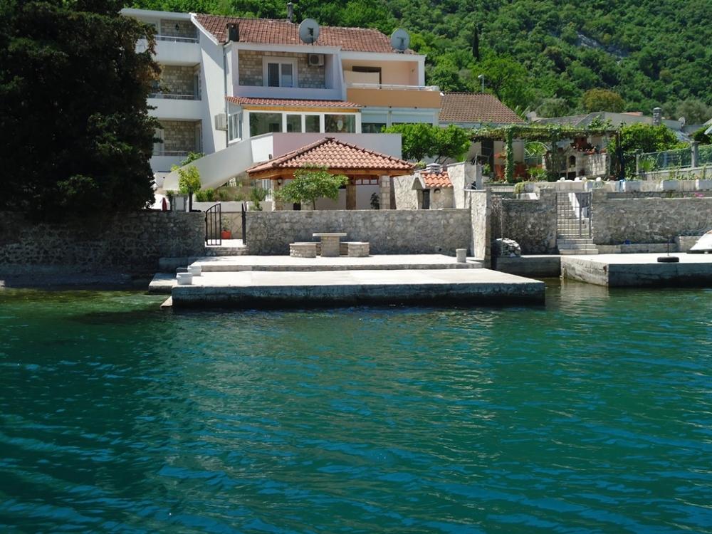 Kuća ,  , Prodaja | For Sale Attractive Villa On The Coast Line Kostanjica