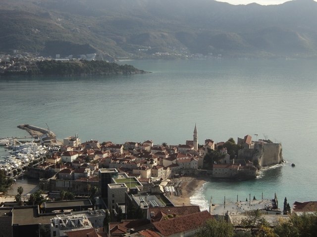 Excellent apartment with great sea view in Budva