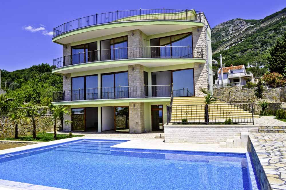 New villa in the town of Bar