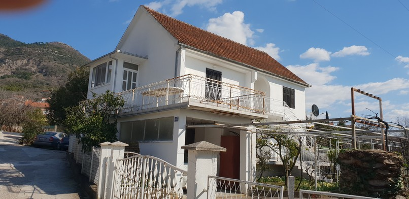 Two storey house in Tivat