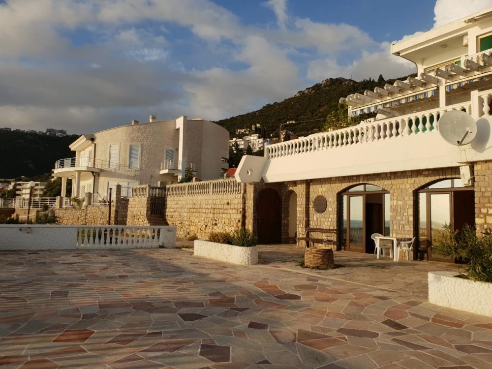 Villa mini hotel for renovation