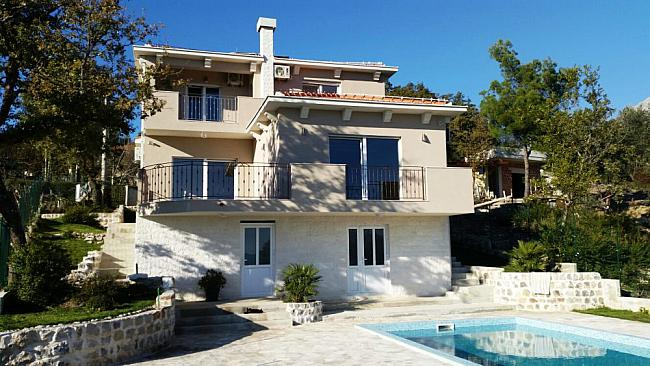 Beautiful house in a quiet green place of the old town of Herceg Novi