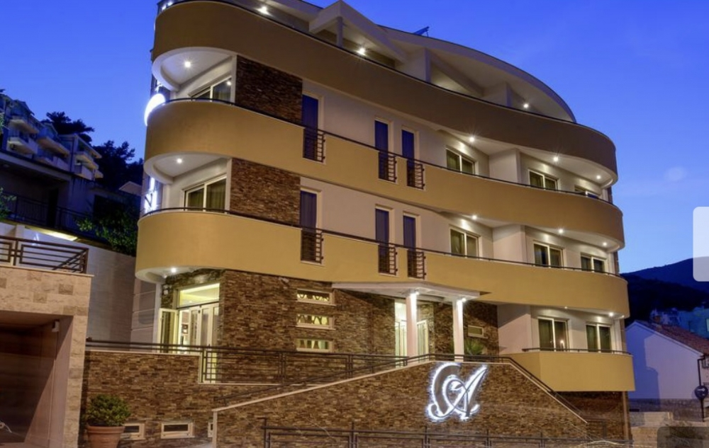 New hotel in Budva