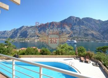 Konforlu daire panaromik deniz ve Kotor manzarasına sahiptir.