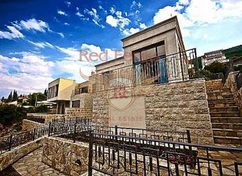 Modern villa for sale on the first line in the village of Krasici.