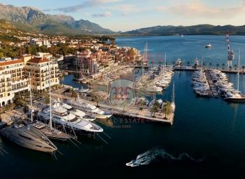 Zum Verkauf stehen hochmoderne Luxusapartments in einer Luxuswohnanlage in der Stadt Tivat, Montenegro.