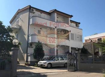 Na prodaju kuća sa apartmanima u Dobra Voda.
