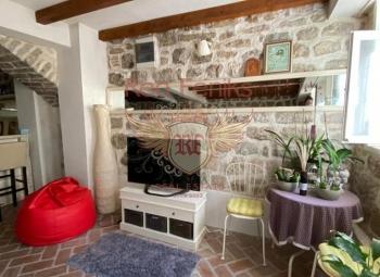 Apartment for sale in the center of Herceg Novi, Belavishta district next to the church.