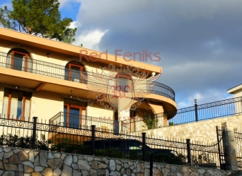 House for sale by the sea in Bar, Montenegro.