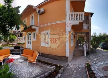 Comfortable and mini-hotel in Budva, can be for you not just foreign real estate, as well as an object of profit, as its infrastructure is fully adapted to the object of the hotel business with the least investment.
