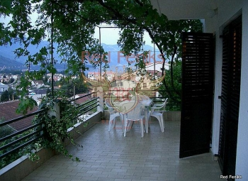 The villa is located in the city of Budva, just 10 minutes walk from the old town of Budva.