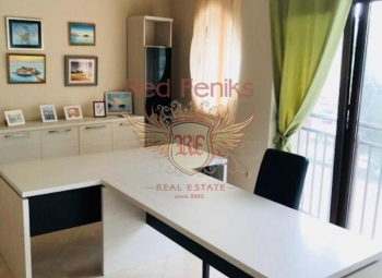 For sale small commercial space in Becici.