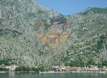 For sale an excellent mini-hotel, just a twenty minute walk from the old town of Kotor.