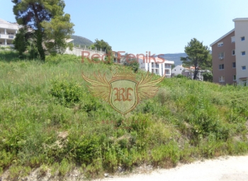 Land area of 1327m2 The maximum permitted building area is 1444m2 Ground + 4 floors The plot has electricity and water.