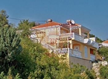 Villa Nelitsa for sale in Podi Herceg Novi area.