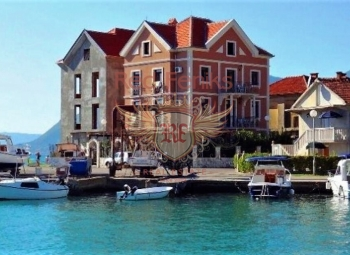 Mini-hotel for sale on the first line of Tivat, Montenegro1.