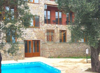 For sale one bedroom apartment in the complex with swimming pool in Petrovac .