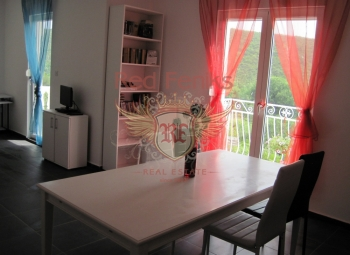 Sunny apartment in Bigova, Montenegro The apartment is located in a quiet location on the 2nd floor of a 3 storey 12 apartment building.