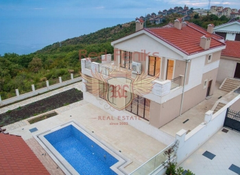 For sale luxury villa in Blizikuce Beautiful panoramic villa located on the close comunity on the small and quet plac in Blizikuce.