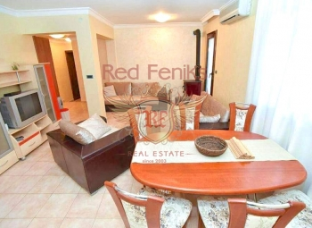 For sale two bedroom apartment only 300 meters from the sea and from the park.