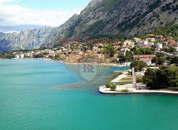 Magnificent apartment with a panoramic view of the Kotor Bay, the islands of St.