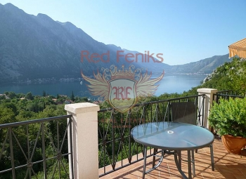 Flat in the picturesque village of Orahovac, with a stunning view of the pearl of the Adriatic - Boka Bay of Kotor.