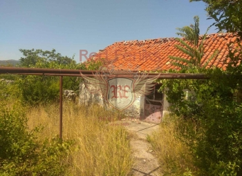 For sale plot of 1790 m2 m2 at a distance of 7 kilometers from Podgorica in the direction of Danilovgrad.