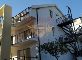 For sale are 6 apartments in Seljanovo in the same building, Tivat, own yard and parking All apartments are the same, two bedrooms and have an area of 65m2 and consist of two bedrooms, living room with dining area, kitchen, bathroom and balcony.