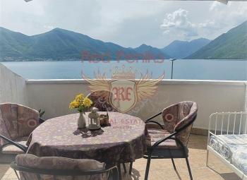 Güzel mobilyalı daire Luta, Boka Körfezi'nde satılıktır.