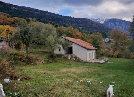 Kavac'da imarlı arsa 2600 m2 alana sahiptir.