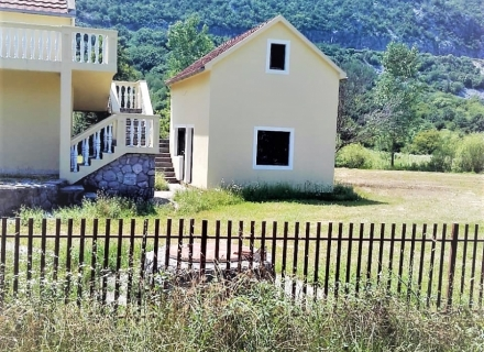 Danilovgrad'da büyük arsalı ev, Karadağ Villa Fiyatları Karadağ da satılık ev, Montenegro da satılık ev, Karadağ satılık villa