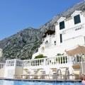 SATILDI! Waterscape apartment in residential development with outdoor pool, Montenegro, Dobrota da satılık evler, Dobrota satılık daire, Dobrota satılık daireler