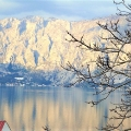 Panoramik deniz manzaralı ve Boka Kotorska Körfezi'nde büyük bir arsaya sahip ev., Dobrota satılık müstakil ev, Dobrota satılık müstakil ev, Kotor-Bay satılık villa