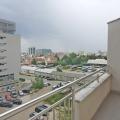 Budva'nın merkezinde yeni bir binada guzel iki yatak odali daire.