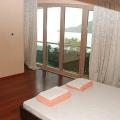 Igalo'da daireler, birinci Hat, Dobrota da ev fiyatları, Dobrota satılık ev fiyatları, Dobrota da ev almak