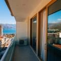 Budva'da denizden ikinci hatta satılık güzel tek yatak odalı daire.