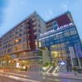 Karadağ'ın merkezindeki ana iş ve turizm merkezi Budva'nın merkezindeki en popüler 4 * otelden birinde satılık yüksek kaliteli ticari binalar.