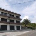 Djurasevici'de üç yatak odalı daire, Lustica.