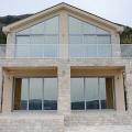 Kotor Körfezi'nin kalbinde en güzel ve modern kompleks bulunmaktadır.