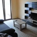 Rıhtımdan sadece yüz metre uzaklıkta, şık, modern bir evde mükemmel, mobilyalı daireler.
