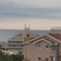 Becici'de, Akdeniz otelinin yakınında, 65 m2 2 yatak odası bulunan daire.