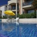 Yüzme havuzlu özel bir kompleks içinde iki yatak odalı daire. Becici, Karadağ, Karadağ da satılık ev, Montenegro da satılık ev, Karadağ da satılık emlak