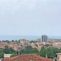 Budva'da, Lazi bolgesinde, Geniş daire ikinci katta 89 m2'dir.