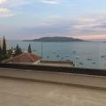 Daireler, Karadağ'ın seçkin bölgesi olan Rafailovici'de bulunmaktadır.