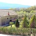Pitoresk Baosici köyünde Kotor Körfezi'ne bakan satılık rahat ev.