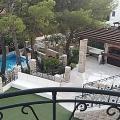 Geniş bir araziye ve altyapıya sahip elit bir villada, satılık daire-stüdyo.