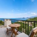 Rjeka Rezevici'nin en güzel köyünde 560m2 üzerinde bulunan 330m2 satılık lüks villa.