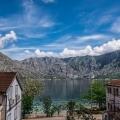 Kotor Körfezi'nde Villa, Karadağ da satılık havuzlu villa, Karadağ da satılık deniz manzaralı villa, Dobrota satılık müstakil ev