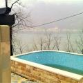Panoramik deniz manzaralı ve Boka Kotorska Körfezi'nde büyük bir arsaya sahip ev., Karadağ da satılık havuzlu villa, Karadağ da satılık deniz manzaralı villa, Dobrota satılık müstakil ev